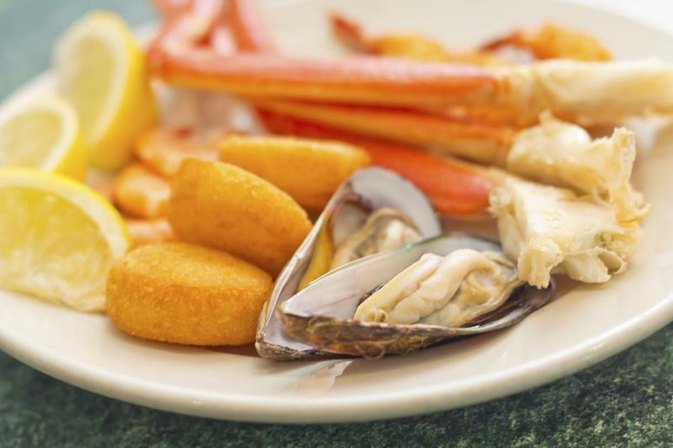 Do Seafood Allergies Cause Stomach Cramps Livestrong Com