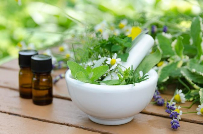 How to Increase Thyroid Function With Oils