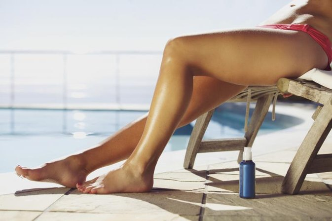 Pros & Cons of Spray-on Tans