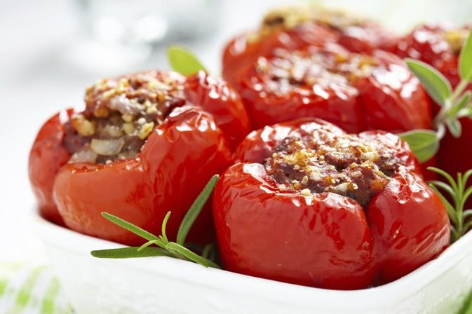 How to Cook Stuffed Peppers With a Microwave