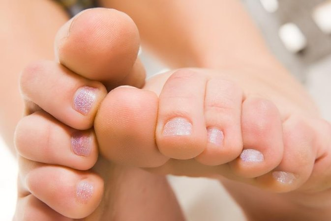 Tea Tree Oil for Toe Fungus