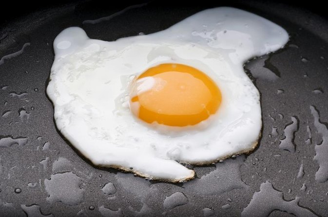 Frying Eggs vs. Raw Eggs