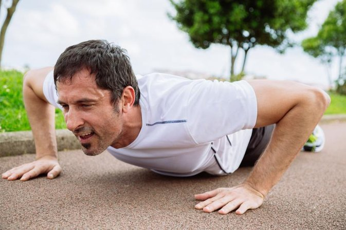 What Is the Average Number of Push-Ups a Male Can Do in 30 Seconds?