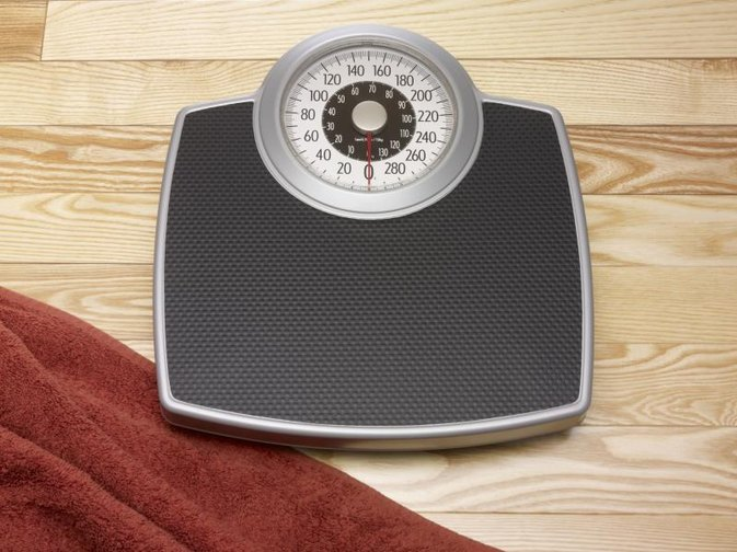 How to Weigh an Obese Person on a Bathroom Scale ...