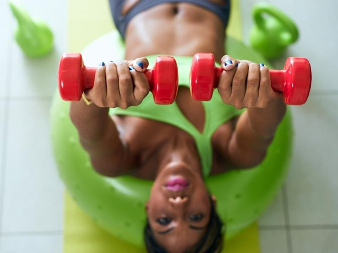 Best Exercises to Do With Small Weights at Home