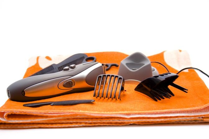 How to Clean Hair Clippers With White Distilled Vinegar