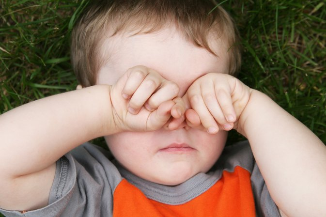 Toddler Eye Drop Methods