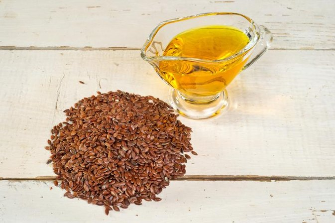 What Are the Benefits of Taking Flaxseed Oil at Bedtime?