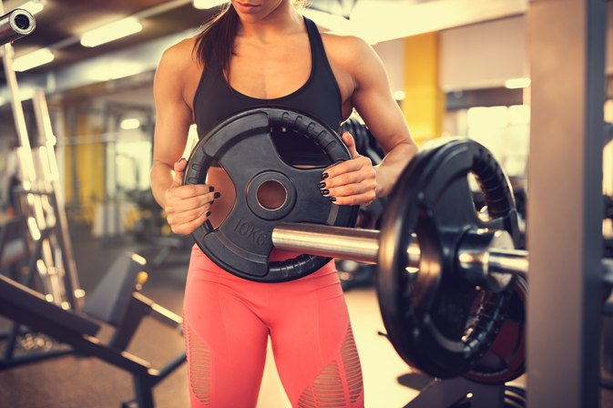 Difference Between Bench Press Weights & Smith Machine Weights