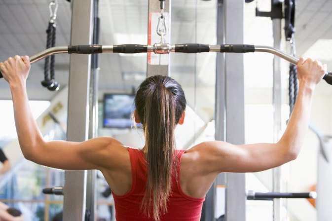 Weight Training Exercises to Avoid With a Bad Neck