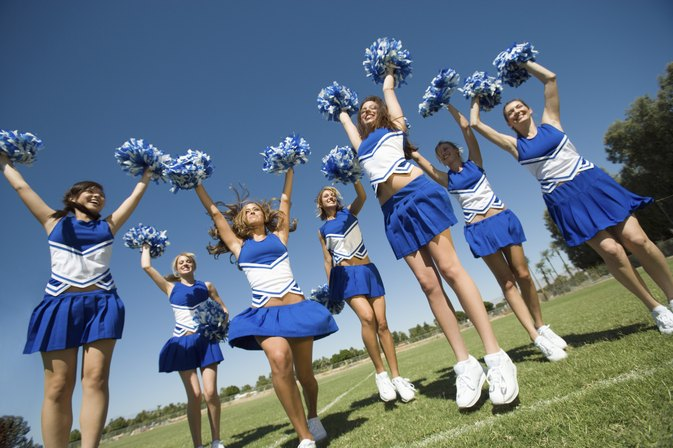 How to Make a Competitive Cheerleading Routine