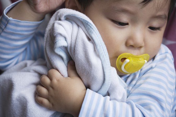 When to Give a Newborn a Pacifier?