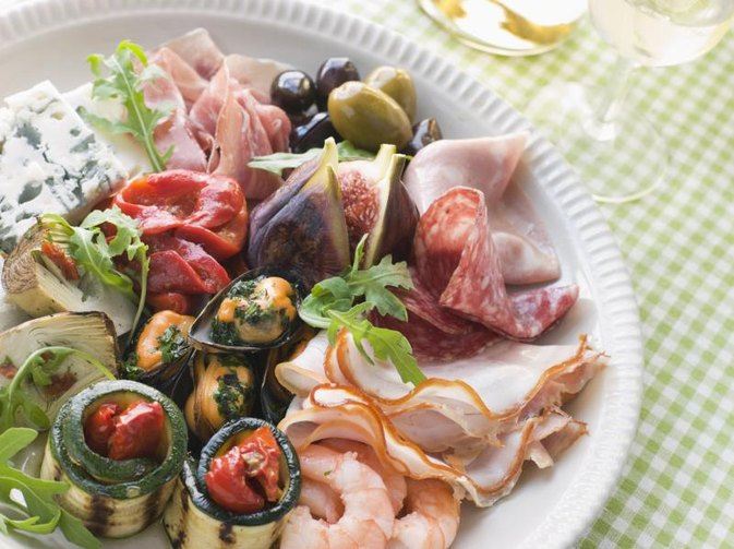 How Many Calories in Chopped Antipasto Salad?
