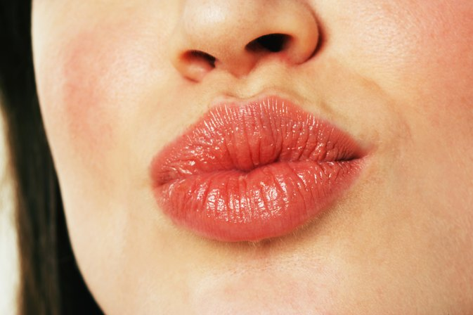 How to Remove Dark Spots on the Upper Lip