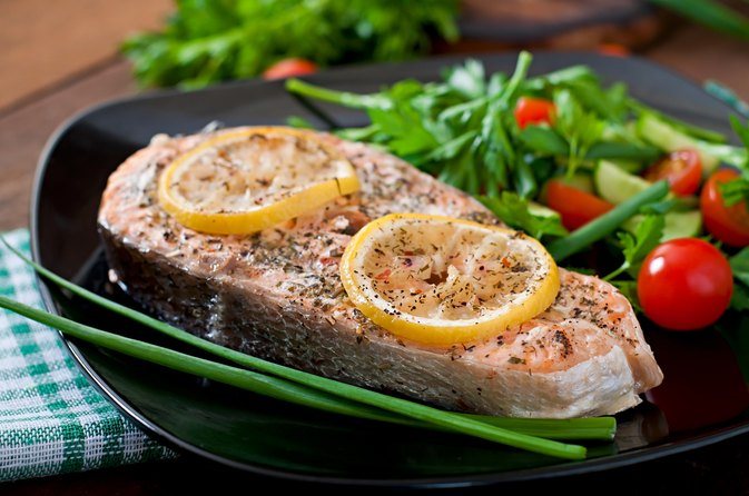 Healthful Foods to Eat During a Swim Taper