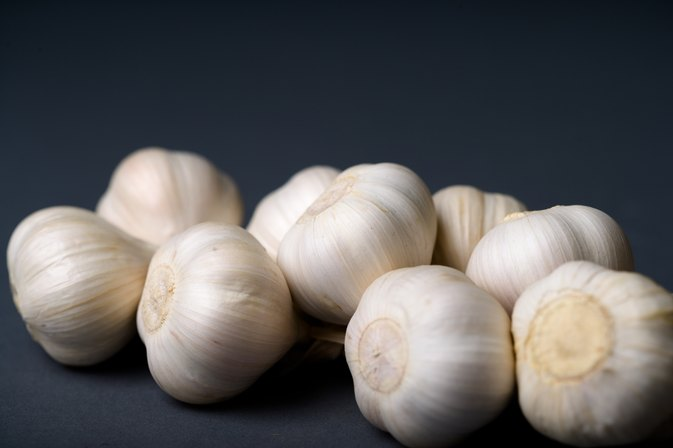 How to Brine Garlic Cloves