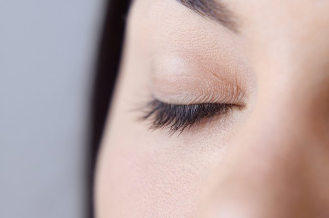 How to Get Longer Eyelashes Naturally