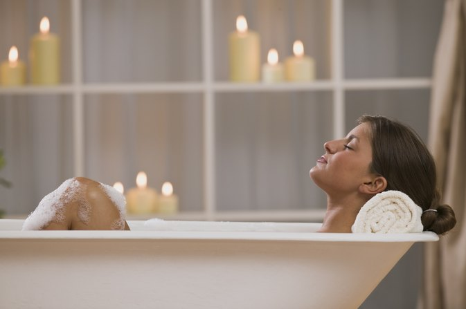 Are There Benefits to an Apple Cider Vinegar Bath?