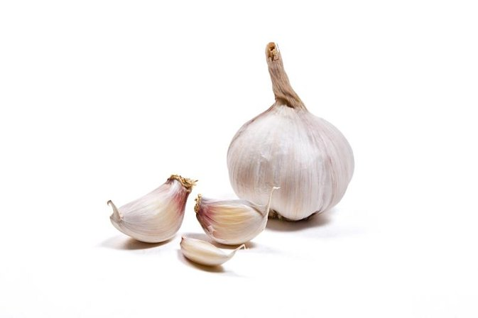 How to Use Garlic for Staph