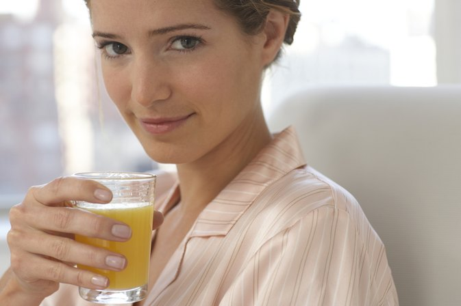 If You Are Trying to Lose Weight, Should You Drink Fruit Juice at Night?