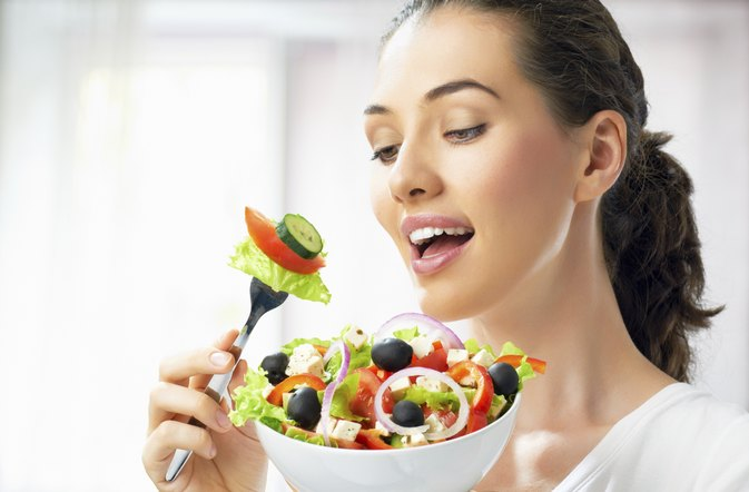 Can I Eat Normally While on HCG & Still Lose Weight?