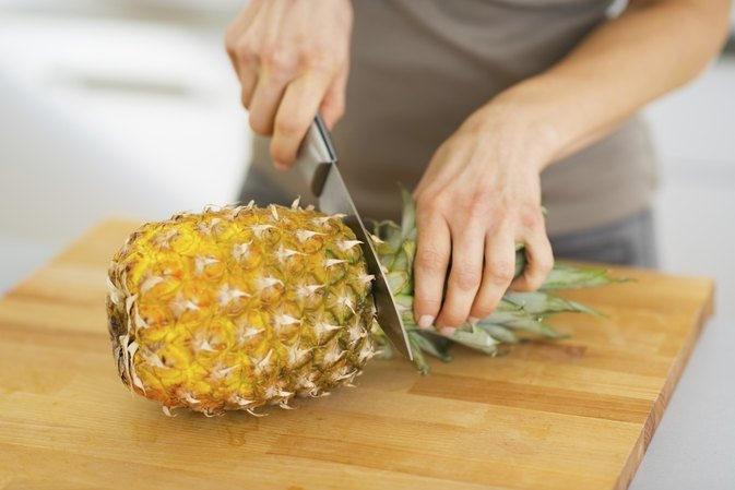 Pineapple to Reduce Stomach Fat