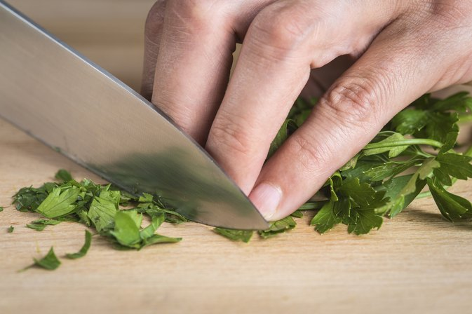 What Are the Health Benefits of Parsley Tea?
