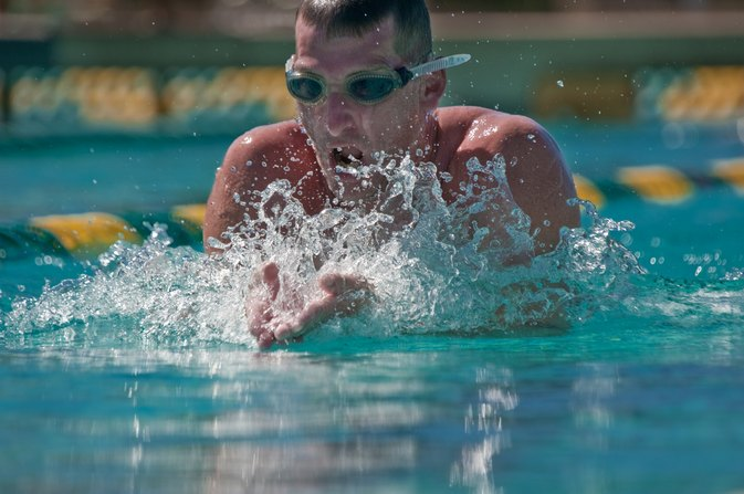 How to Swim to Burn Fat