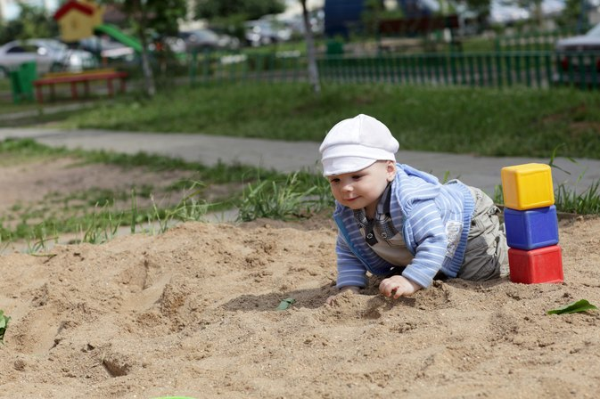 Should You Be Worried if Your Toddler Eats Dirt?