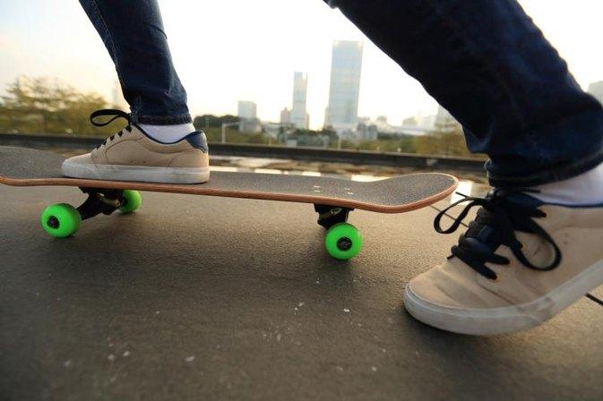how to make a skateboard faster livestrong com. Black Bedroom Furniture Sets. Home Design Ideas