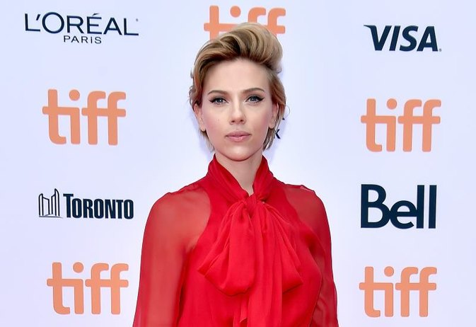 Scarlett Johansson Says Monogamy Isn't Natural & Research Suggests She's Right