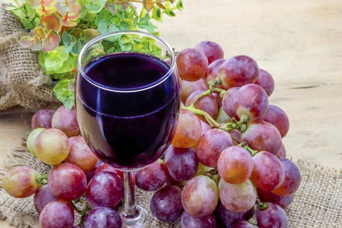 How Much Grape Juice Should I Drink for Its Benefits?