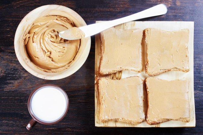 Can You a Eat Peanut Butter Sandwich as a Meal Replacement for Working Out?