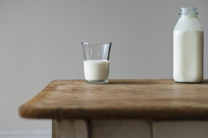How to Gain Weight by Drinking Full-Fat Milk