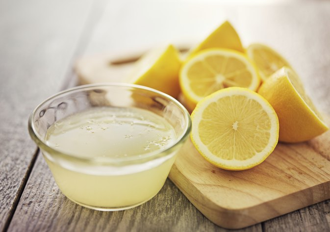 Lemon Juice for a Hair Rinse