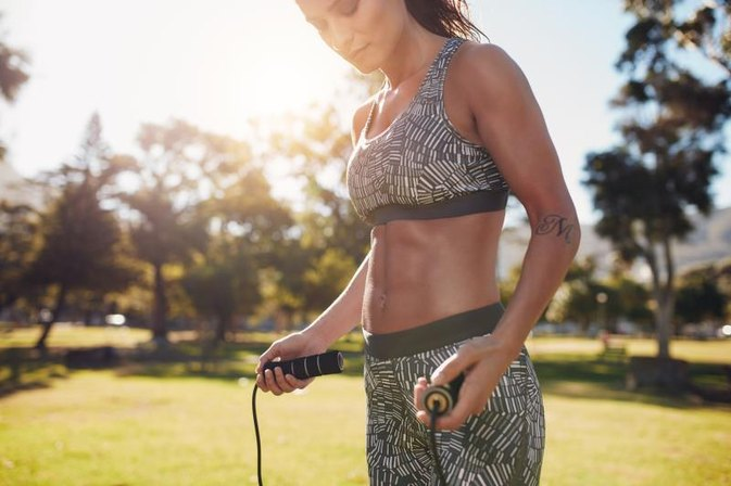 Does a Jump Rope Work Out Abs?