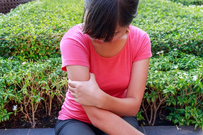 Signs & Symptoms of a Pulled Muscle in the Arm