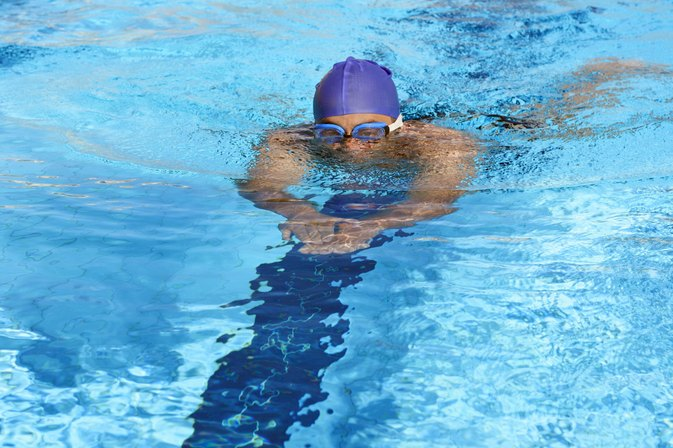 Does Freestyle or Breaststroke Burn More Calories?