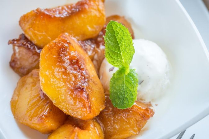 How to Bake Peaches
