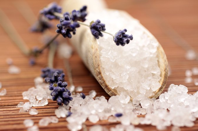How to Make Detox Bath Salts