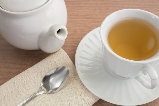 The Best Teas for Swollen Tonsils