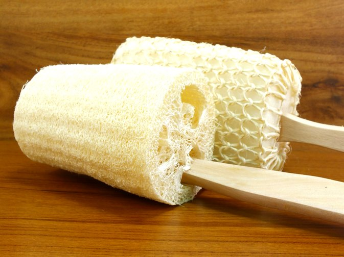 How to Exfoliate With a Loofah