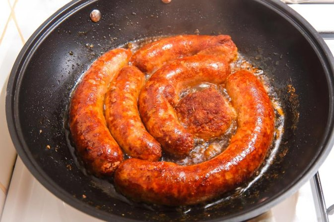 How to Cook Brats on a Big Green Egg