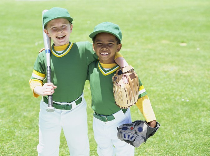 How to Determine the Right Size Baseball Glove & Bat