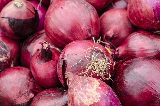 Does Eating Onions Cause Body Odor?