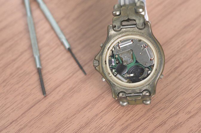 How to Replace the Back on a Waterproof Relic Watch
