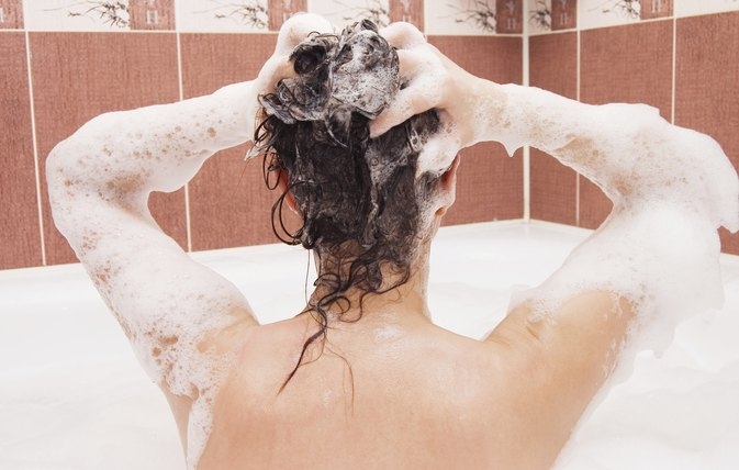 Shampoos & Body Washes to Help Fight the Itch From Candida Fungus