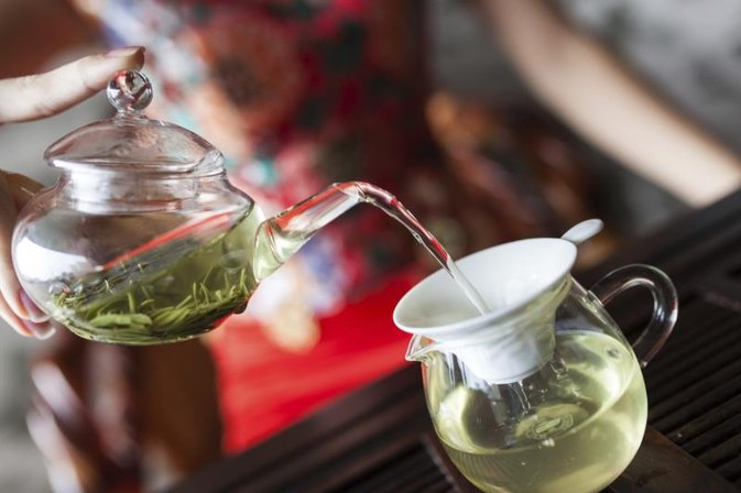 Is a Benefit of Green Tea That It Helps to Reduce Heartburn?