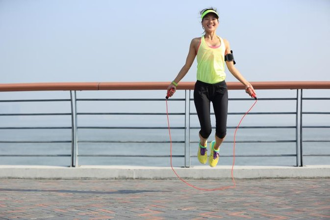 How to Lose 10 Pounds a Month by Jumping Rope
