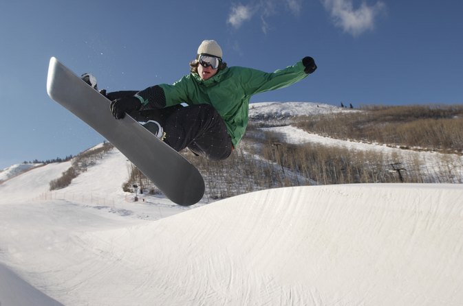 Snowboards and Knee Pain